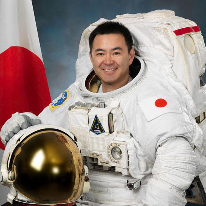 Card 576px akihiko hoshide 2012